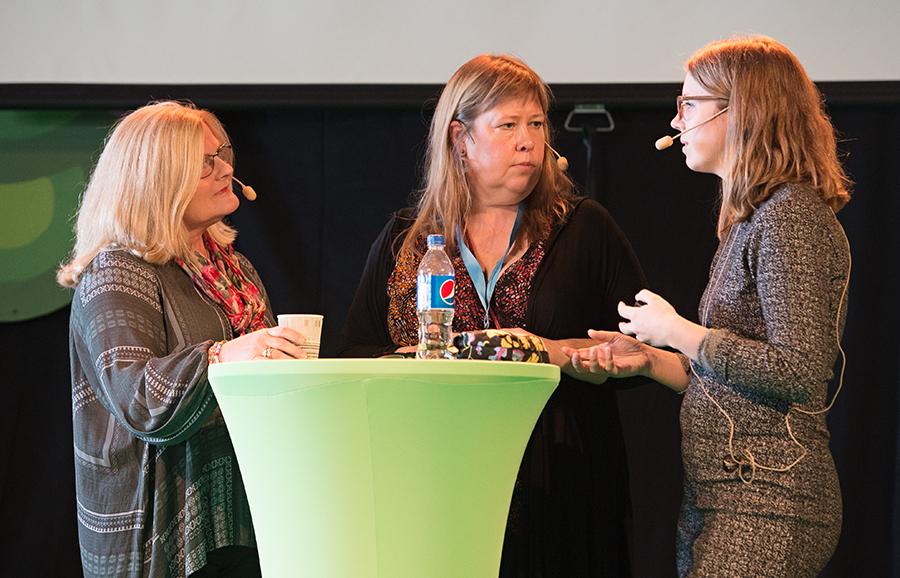 Magpodden LIVE på Underbara Barnmässan 2015. Stora scenen. Med Anna Lavfors och Elisabeth Hjärtmyr. Bodil Bergman Hughes